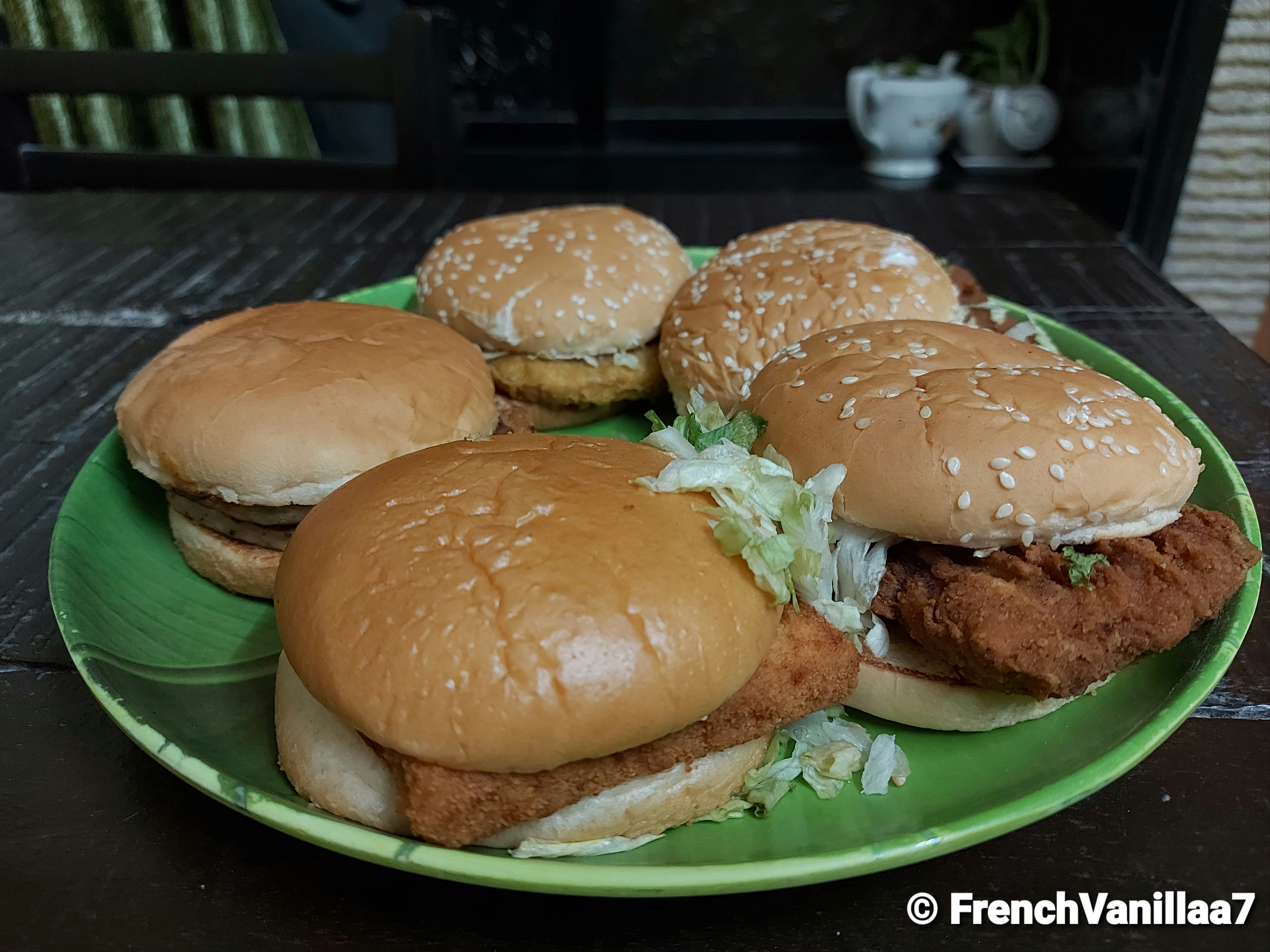 Food Therapy Hamburgers